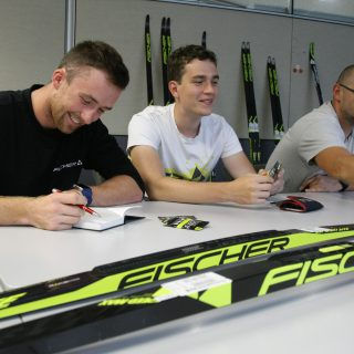 Oznaczenia nart biegowych Fischer w grupie RACE